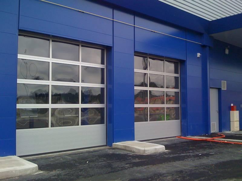 Porte sectionnelle vitrée double vitrage acrylique